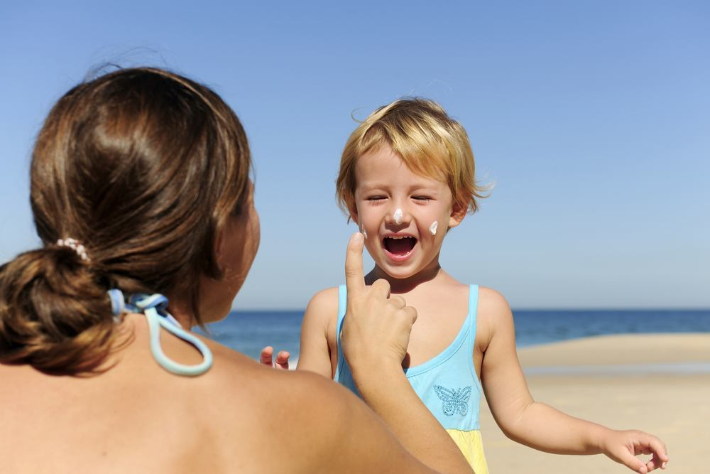 Choosing the best sunscreen for babies and kids (1)