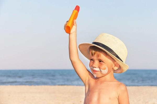Choosing the best sunscreen for babies and kids (2)
