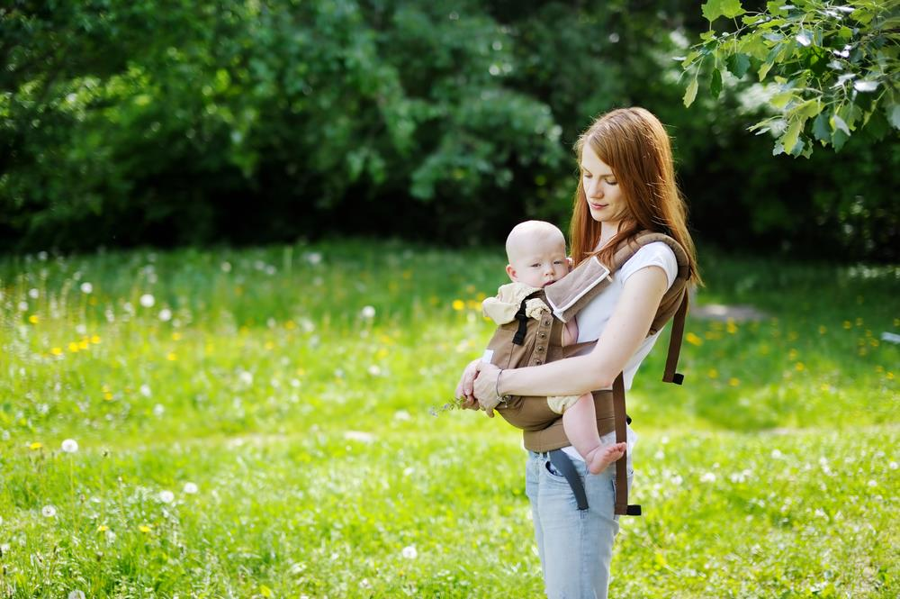 The Many Benefits of Babywearing