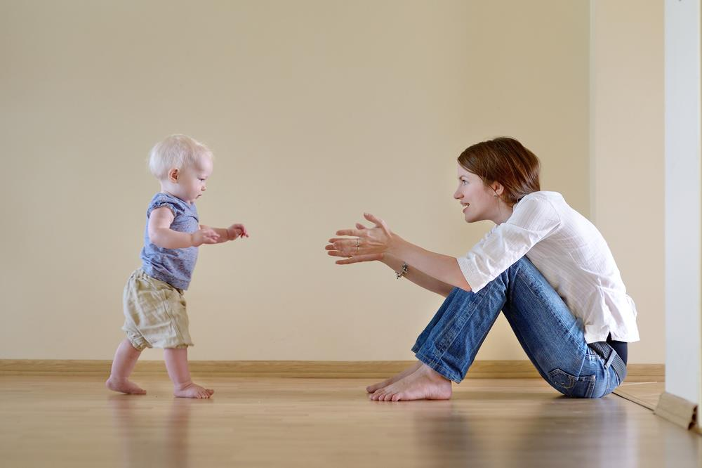 Tips on how to train your baby to walk (3)