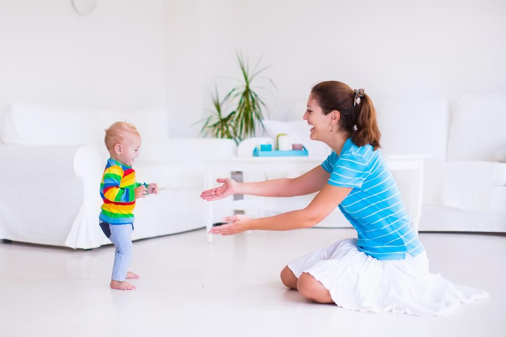 Tips on how to train your baby to walk (5)